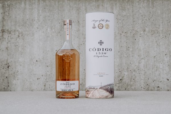 tequila codigo 1530 anejo bottle and package